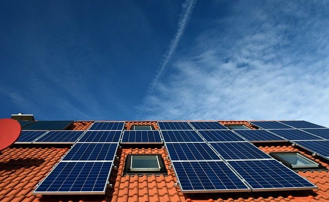 Andalucía apuesta por una estrategia energética más eficiente y neutra en carbono